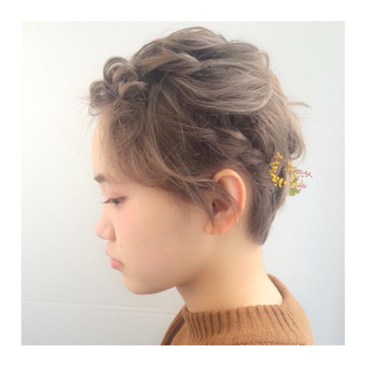 ショート ヘアアレンジ ナチュラル ハイトーン ヘアスタイルや髪型の写真・画像 | 斎藤 菜穂 / log