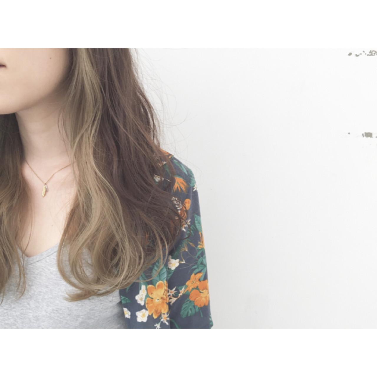 外国人風 ロング 暗髪 パーマ ヘアスタイルや髪型の写真・画像