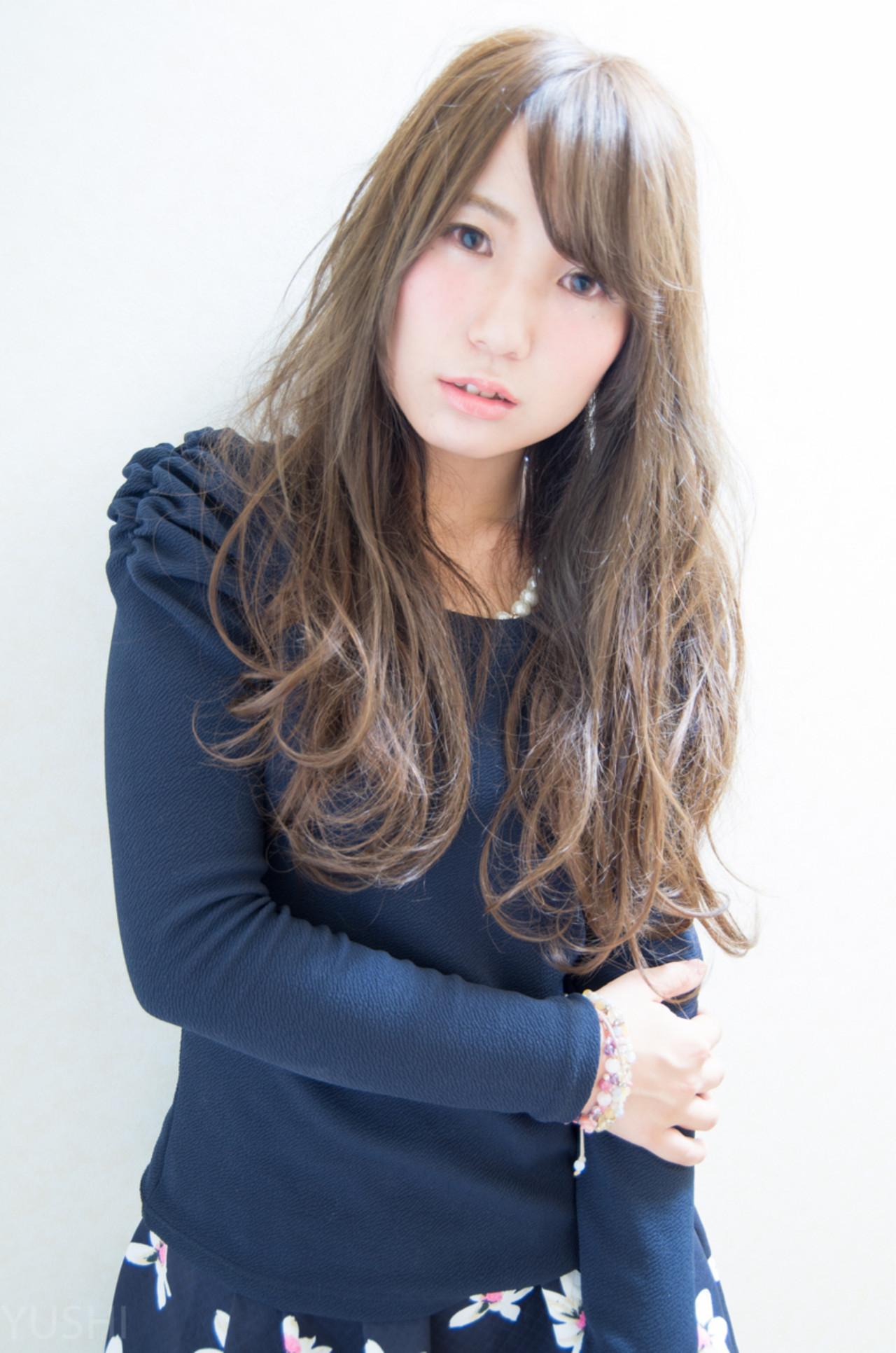 フェミニン ロング ミルクティーベージュ ミルクティー ヘアスタイルや髪型の写真・画像