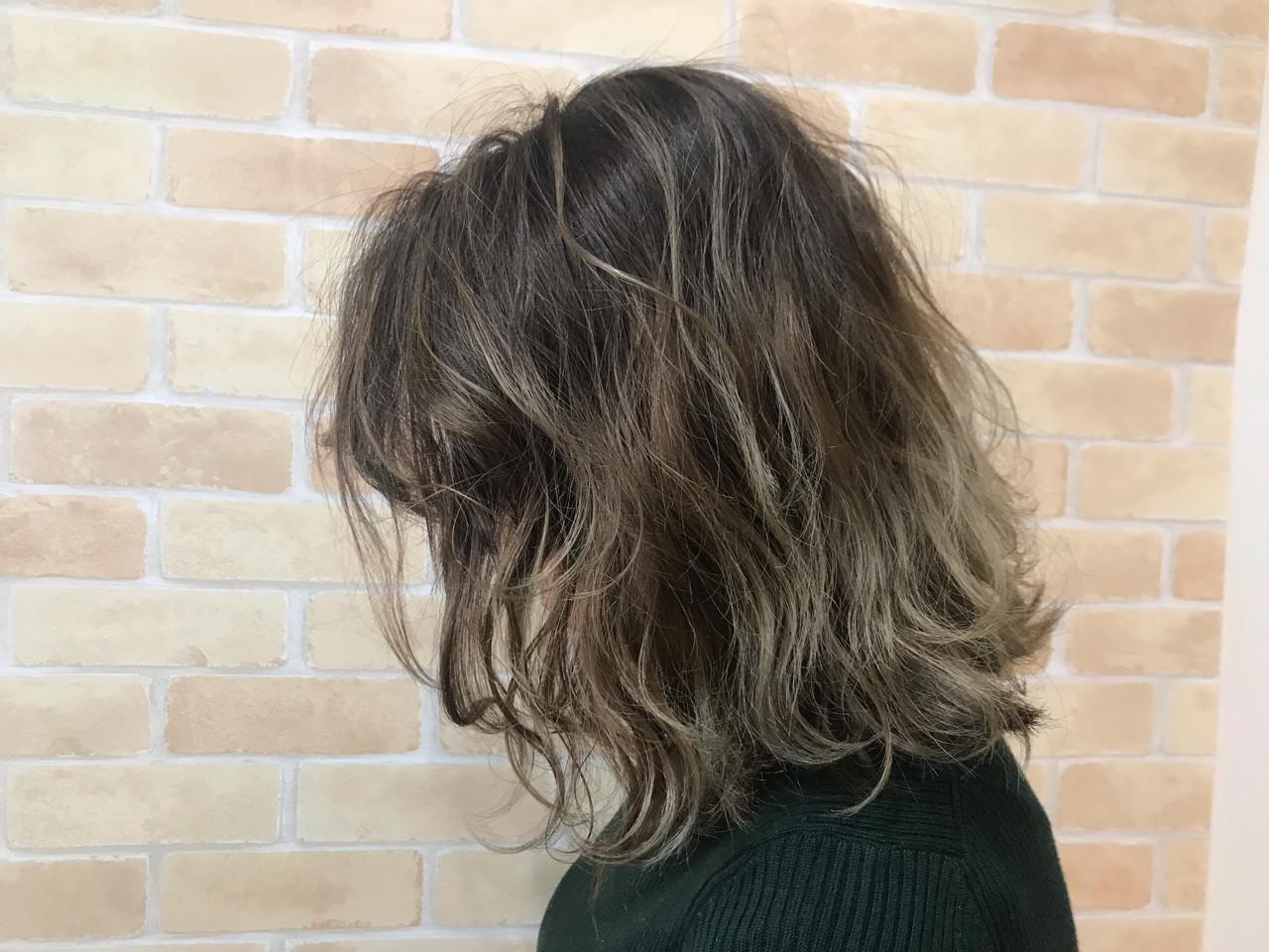 フェミニン 簡単ヘアアレンジ ヘアアレンジ アンニュイほつれヘア ヘアスタイルや髪型の写真・画像