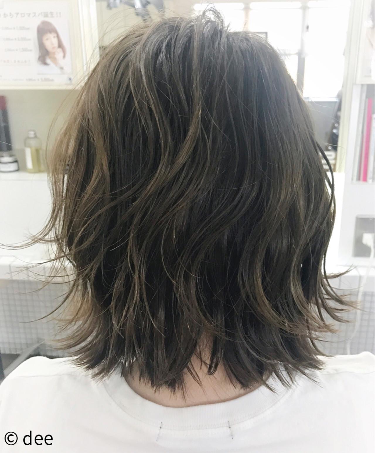 ウェットヘア ボブ レイヤーカット ナチュラル ヘアスタイルや髪型の写真・画像   dee / dee