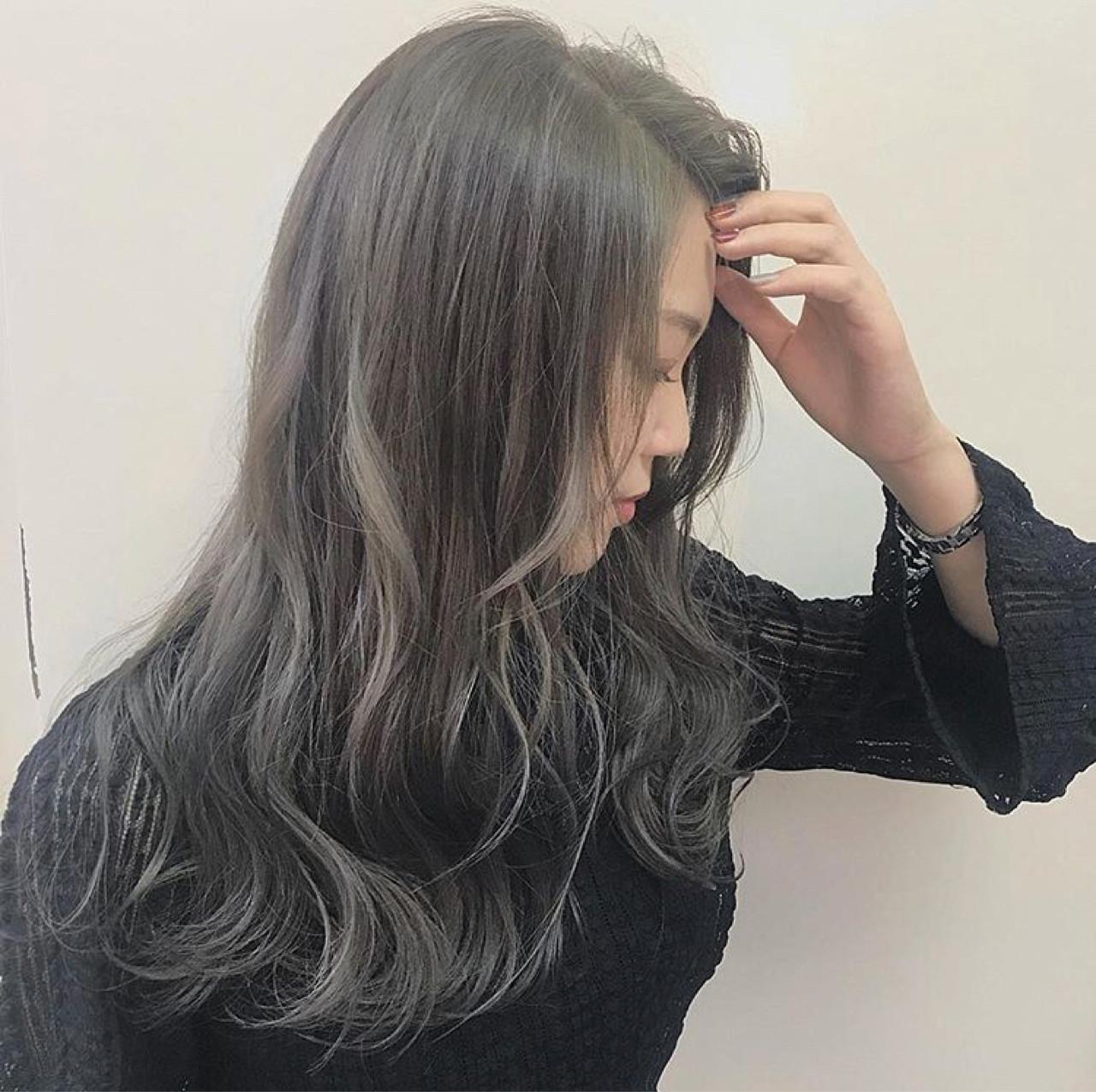 ハイライト 透明感 ロング アッシュ ヘアスタイルや髪型の写真・画像
