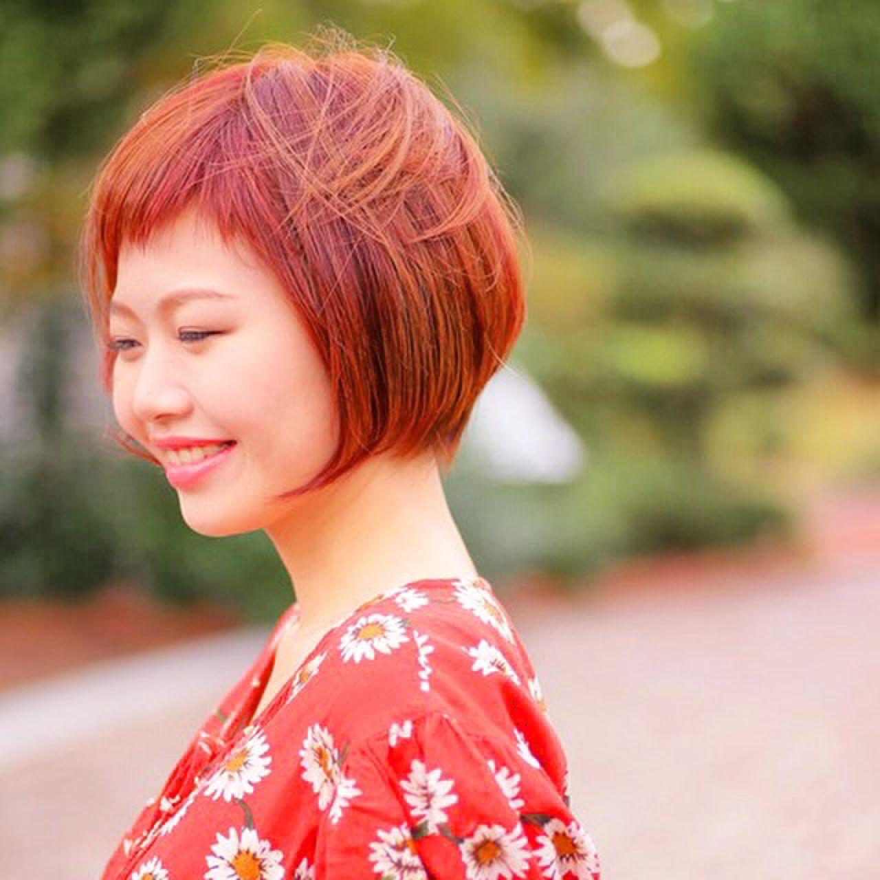 インナーカラー ショートバング ボブ ストリート ヘアスタイルや髪型の写真・画像
