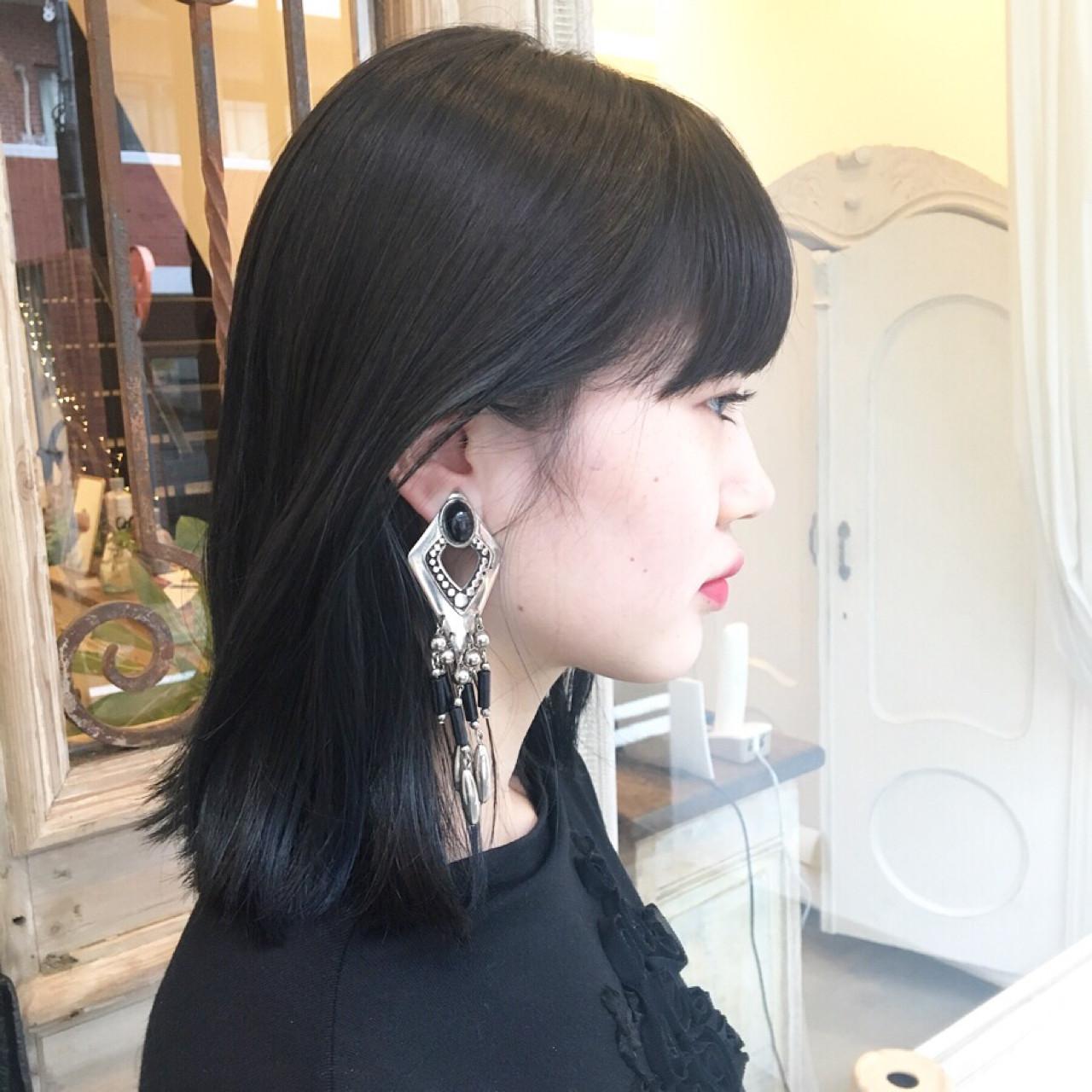 モード ミディアム ブルーブラック ボブ ヘアスタイルや髪型の写真・画像 | 西上絵里沙 / femme atelier