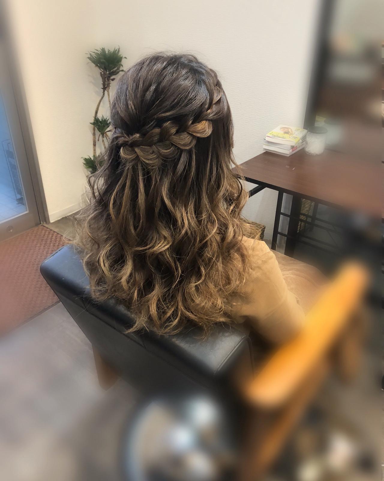 ロング 編み込み ハーフアップ ガーリー ヘアスタイルや髪型の写真・画像