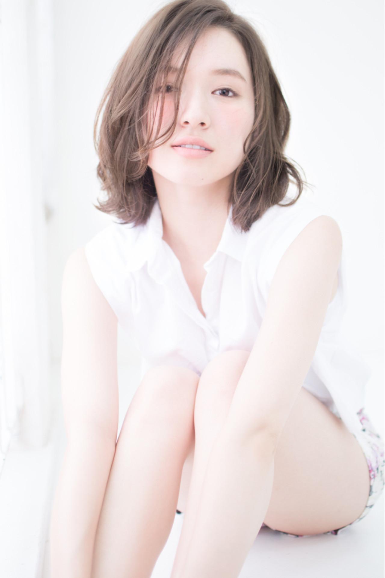 大人かわいい ゆるふわ ミディアム 大人女子 ヘアスタイルや髪型の写真・画像 | 新垣修平 / CARE shinsaibashi