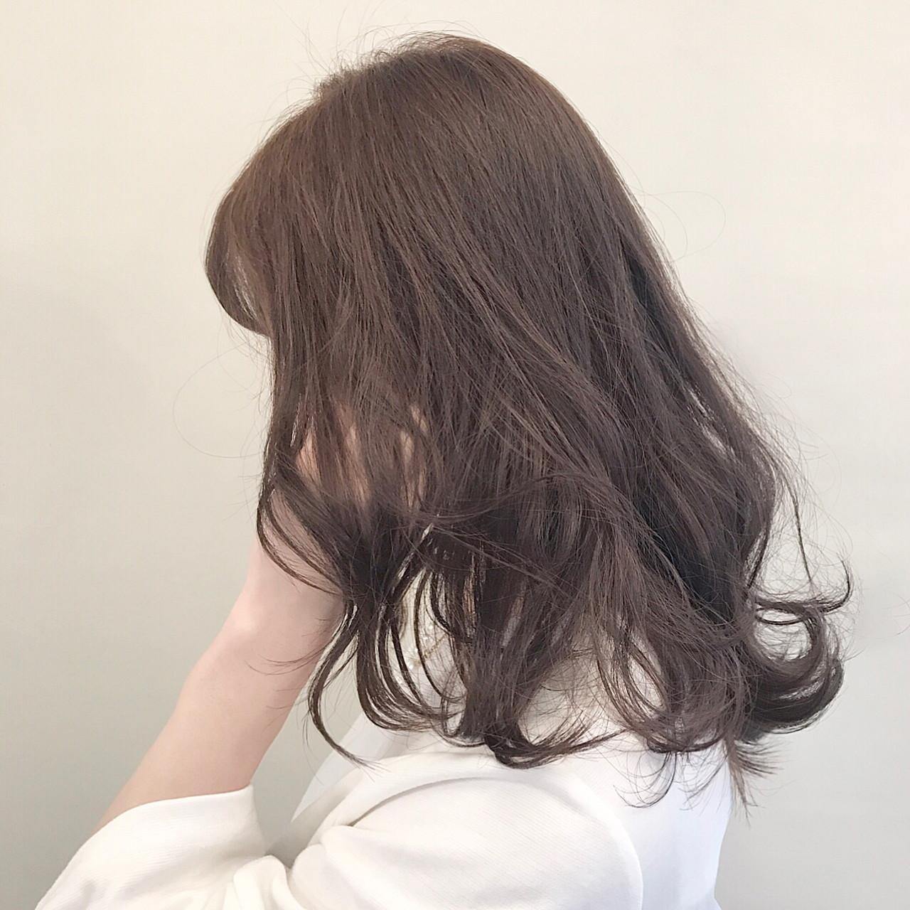 ウルフカット 色気 ガーリー 小顔 ヘアスタイルや髪型の写真・画像
