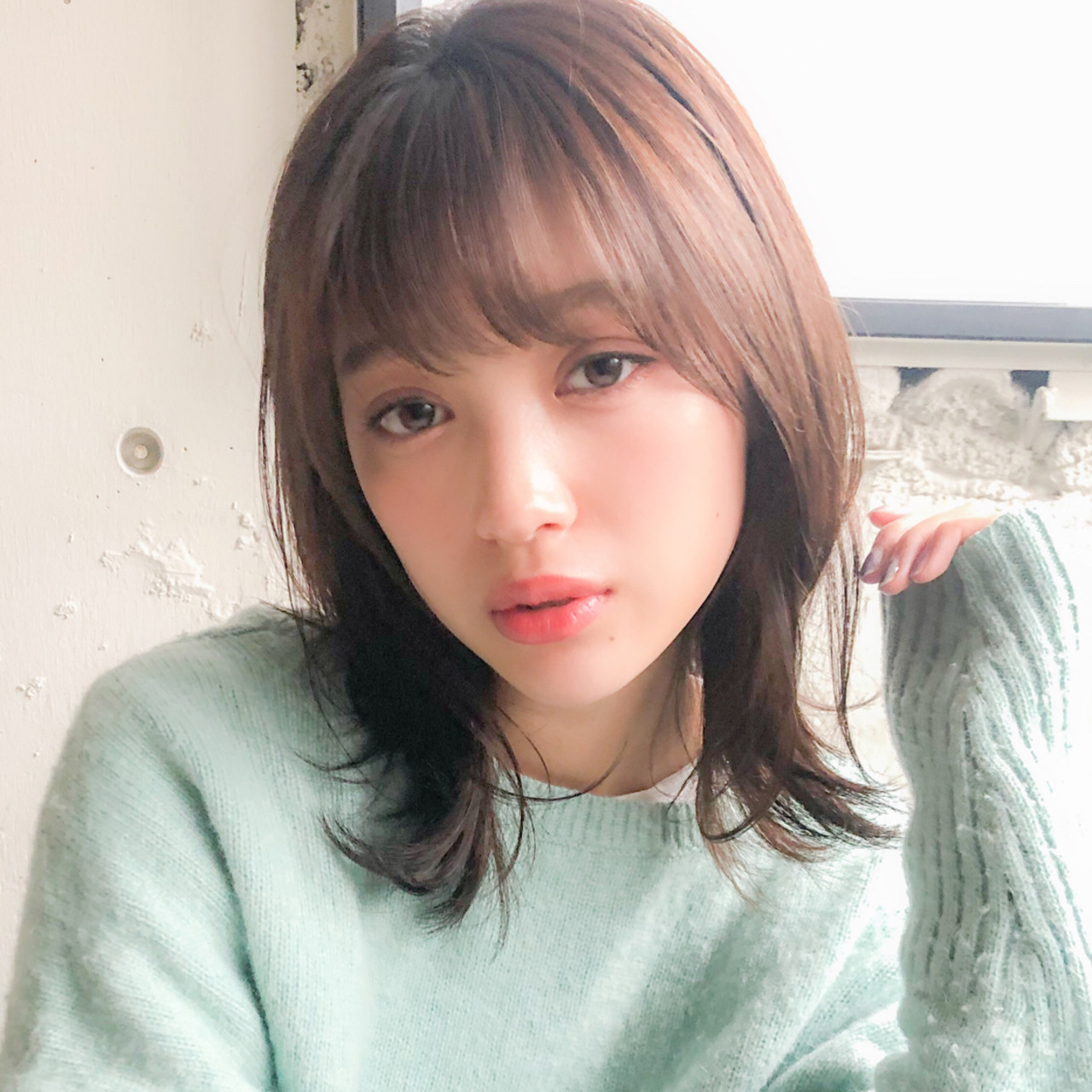フェミニン デジタルパーマ ミディアム 毛先パーマ ヘアスタイルや髪型の写真・画像
