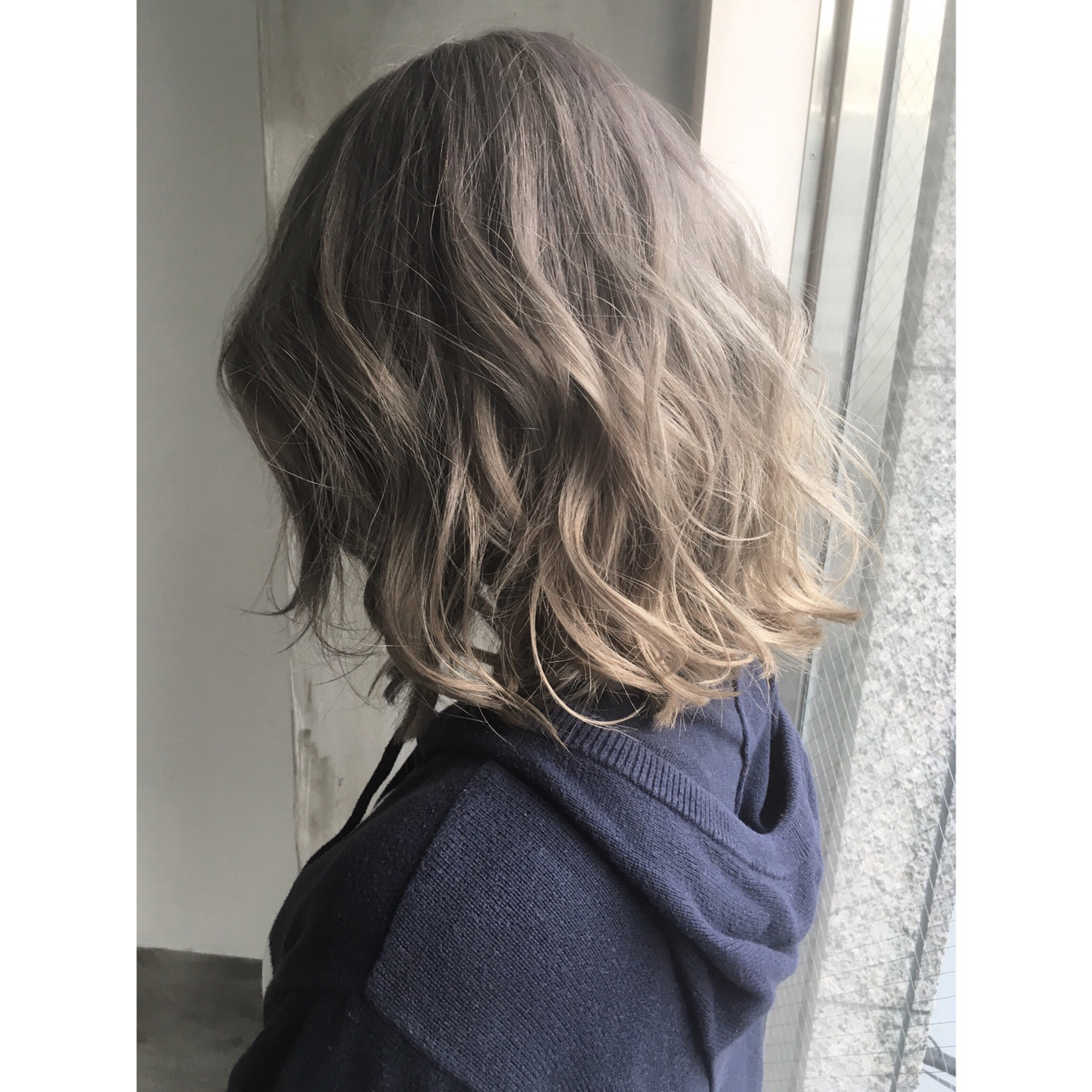 パーマ アッシュ 外国人風 ミルクティー ヘアスタイルや髪型の写真・画像