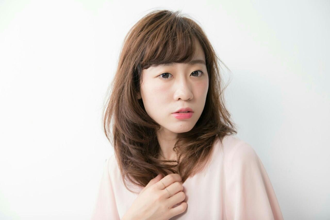 ミディアム シースルーバング フェミニン パーマ ヘアスタイルや髪型の写真・画像 | Naoki Ozawa / 春日部美容室 Luce