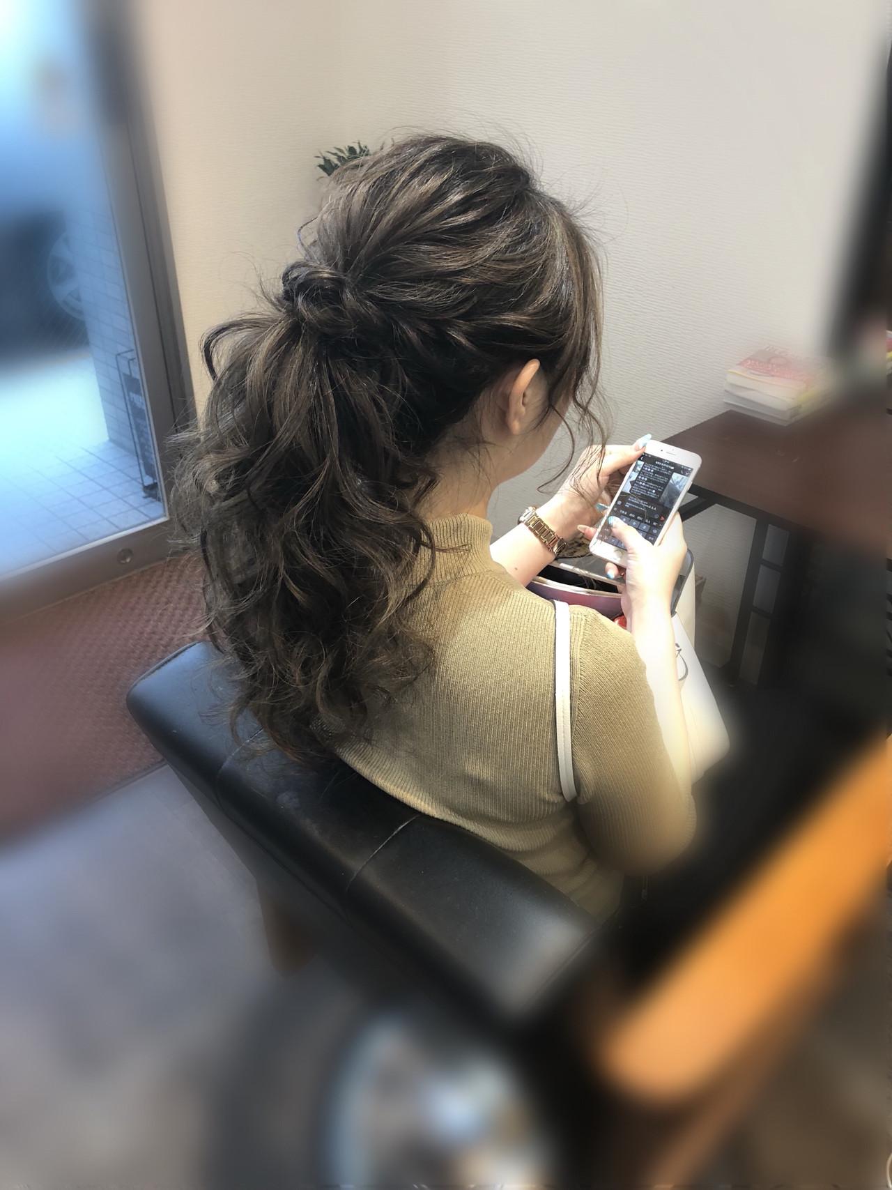 結婚式 フェミニン ヘアセット ねじり ヘアスタイルや髪型の写真・画像