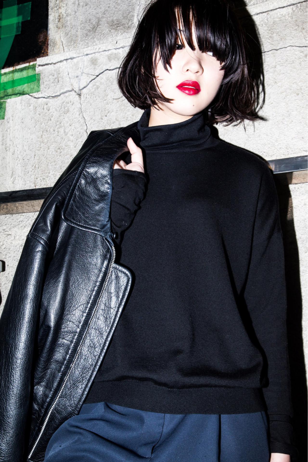 外ハネ 黒髪 モード 大人女子 ヘアスタイルや髪型の写真・画像