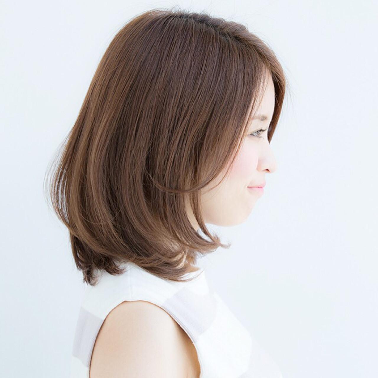 大人かわいい ベージュ オフィス デート ヘアスタイルや髪型の写真・画像 | NAOMI / Ramie