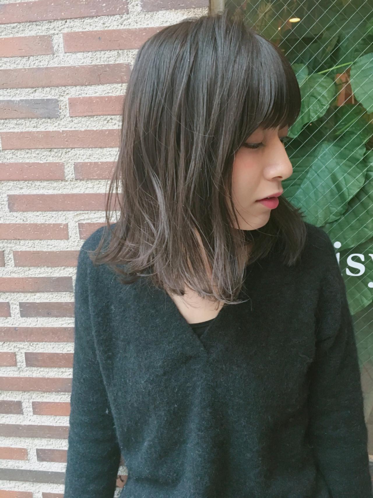 ハイライト アッシュ 大人女子 小顔 ヘアスタイルや髪型の写真・画像