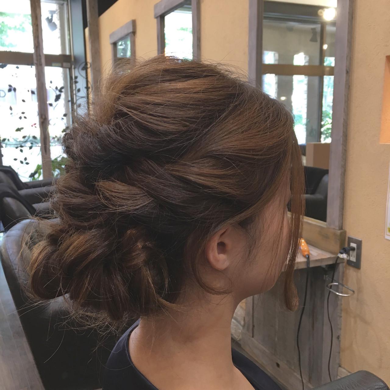 フェミニン アップスタイル ミディアム パーティ ヘアスタイルや髪型の写真・画像