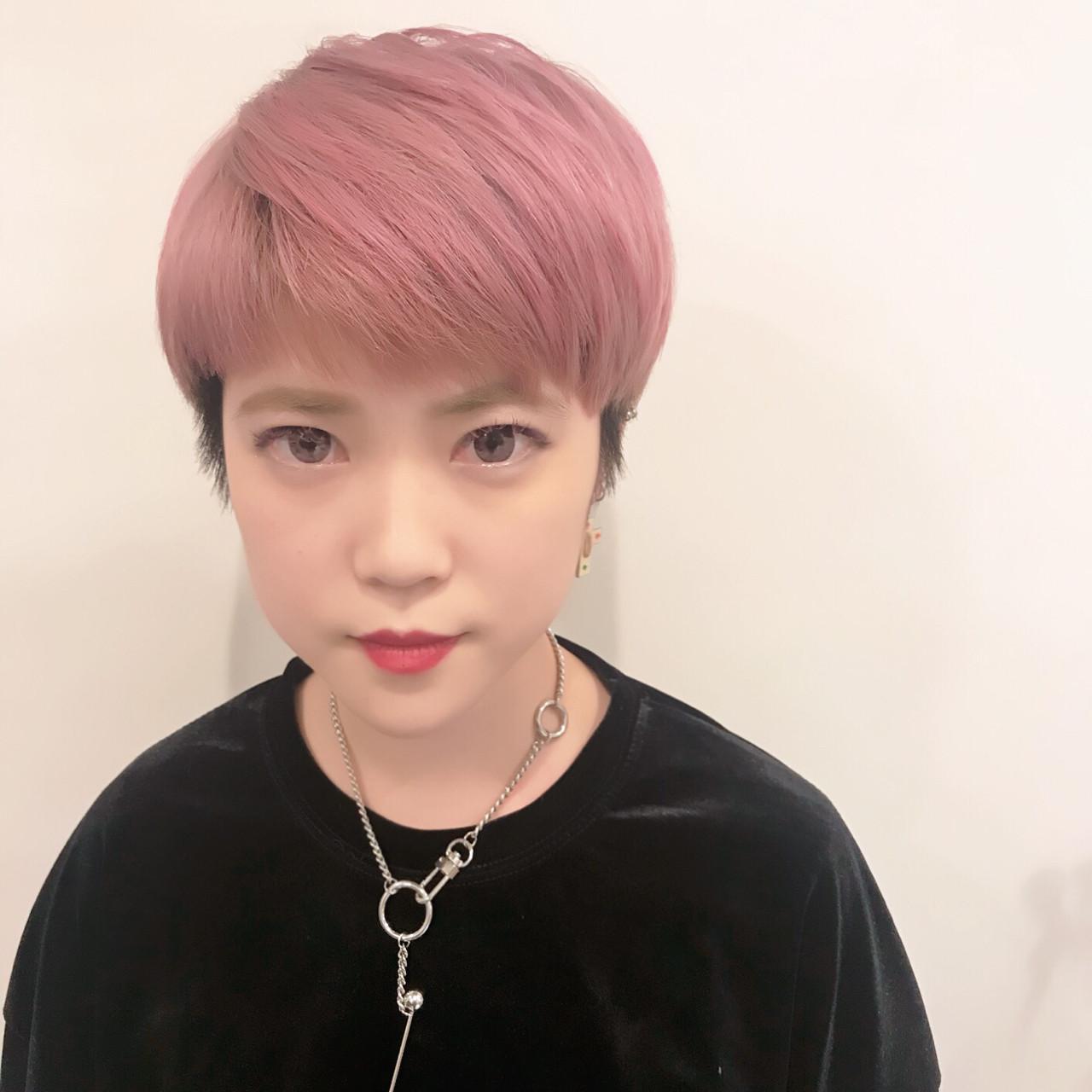 Wカラースタイルです! カラーはペールピンクです♪ 毛先には3Dでショッキングピンクを入れて ピンクを強調しました^ ^