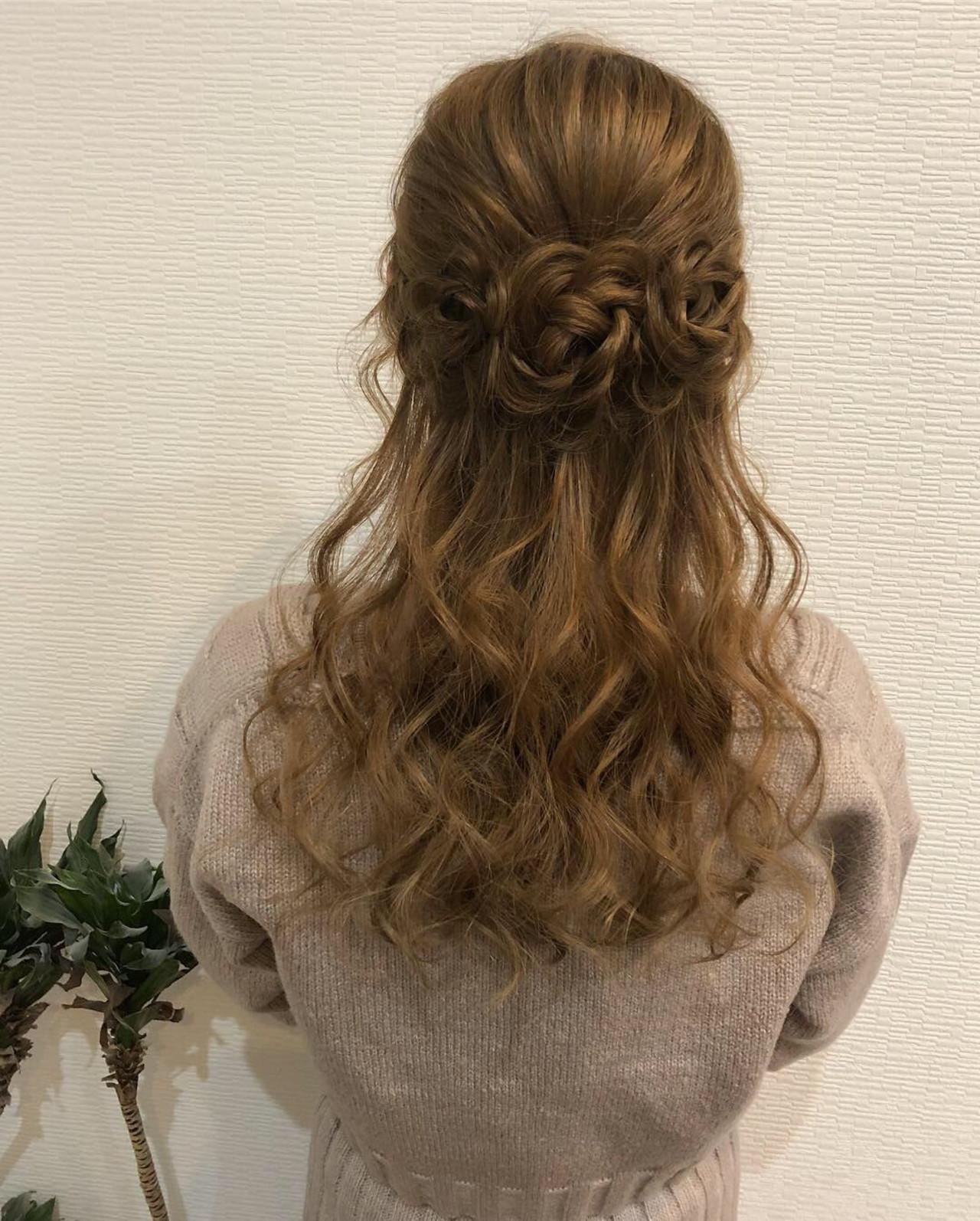 お花ヘア ロング ヘアアレンジ 編み込み ヘアスタイルや髪型の写真・画像