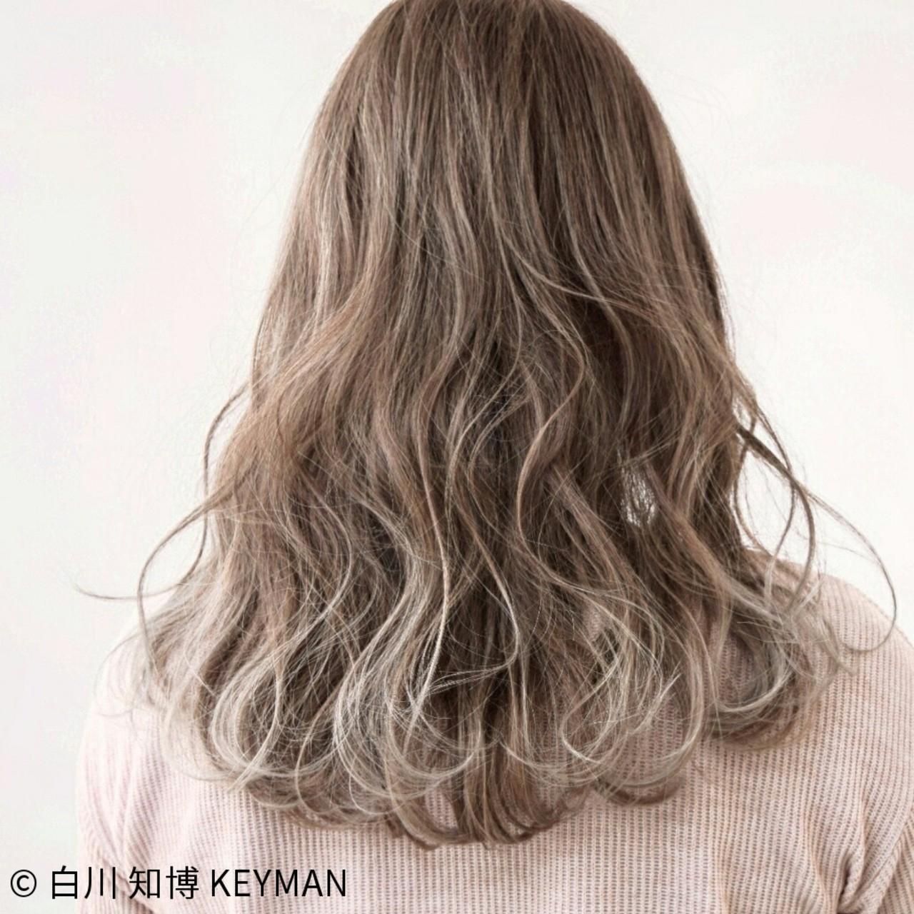 ミルクティー 外国人風 セミロング ニュアンス ヘアスタイルや髪型の写真・画像