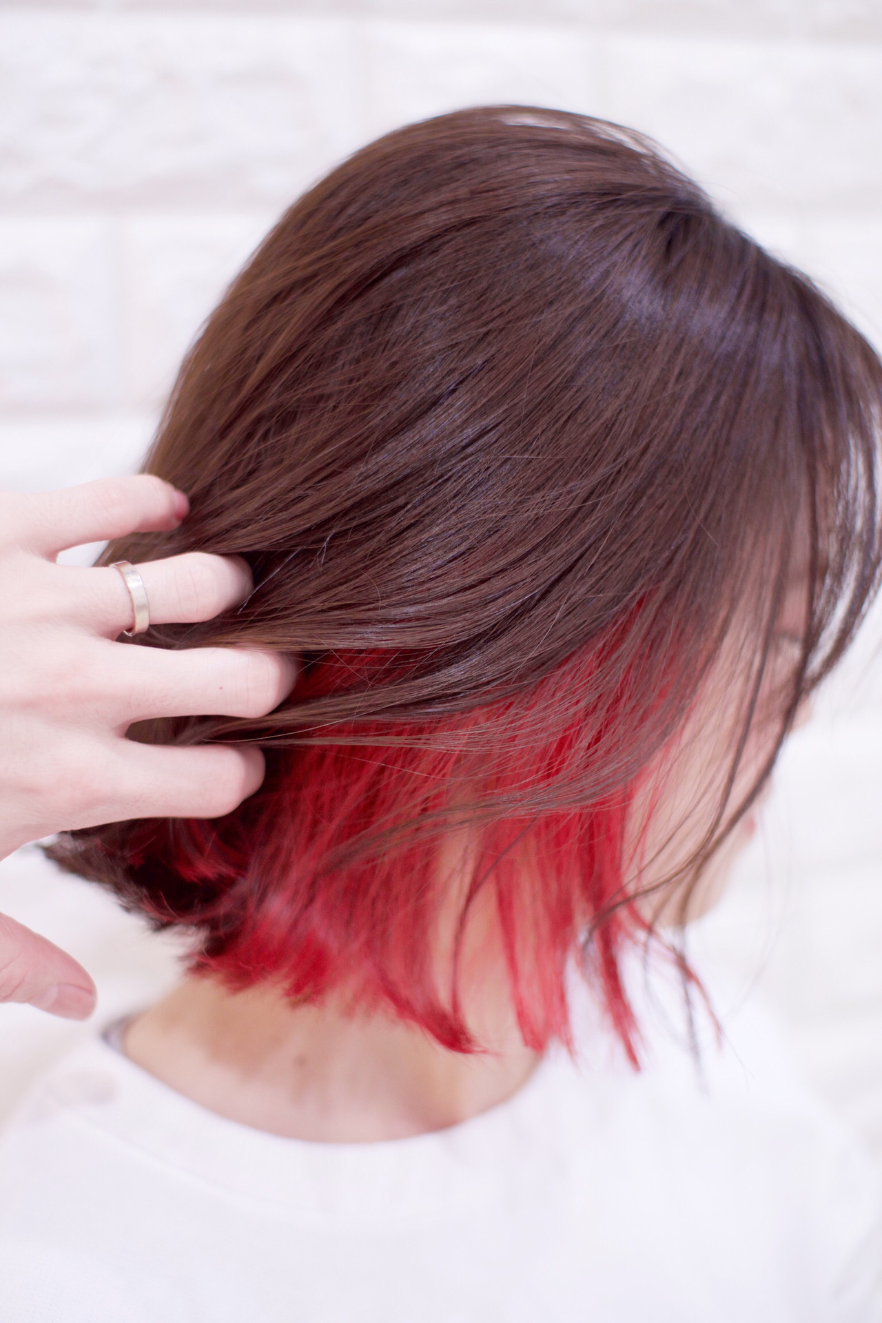 デザインカラー デート インナーカラー 切りっぱなしボブ ヘアスタイルや髪型の写真・画像 | カワマタ リョウスケ / w h i t e . 梅田