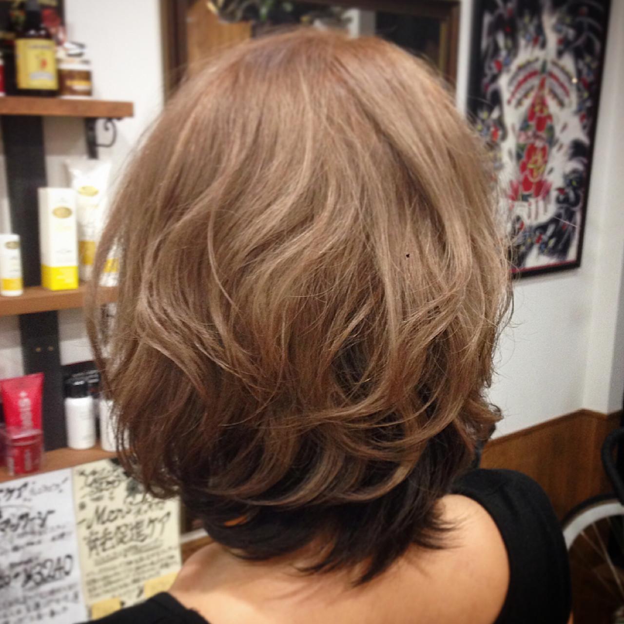 ダブルカラー アッシュ ストリート ミルクティー ヘアスタイルや髪型の写真・画像