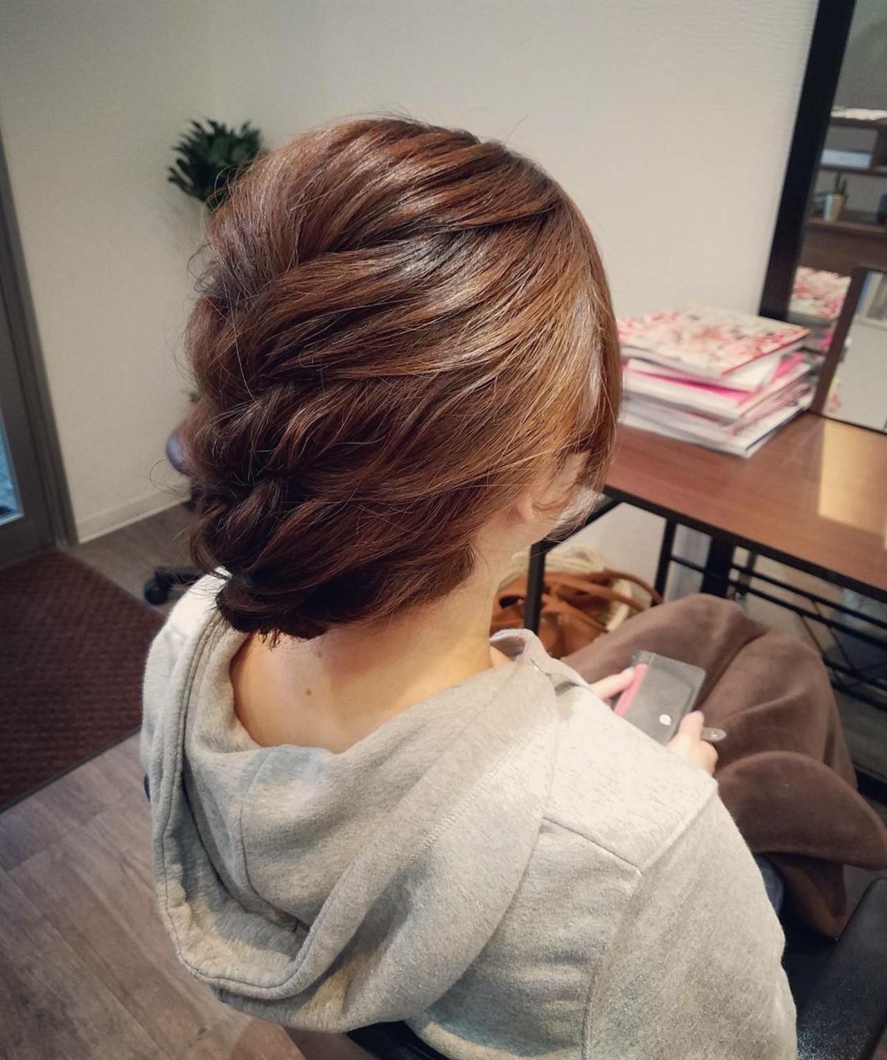 編み込み ミディアム ヘアアレンジ ナチュラル ヘアスタイルや髪型の写真・画像 | mai / HAIR SALON STELLA