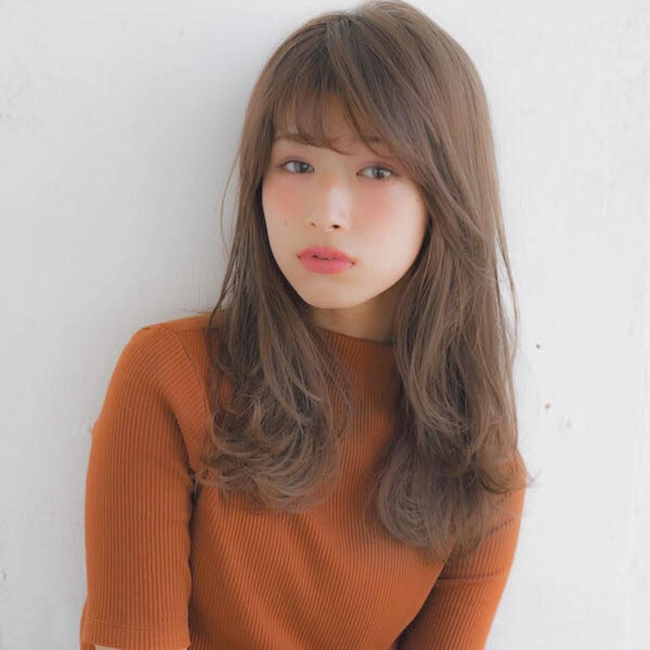 フェミニン 前髪 アンニュイほつれヘア セミロング ヘアスタイルや髪型の写真・画像