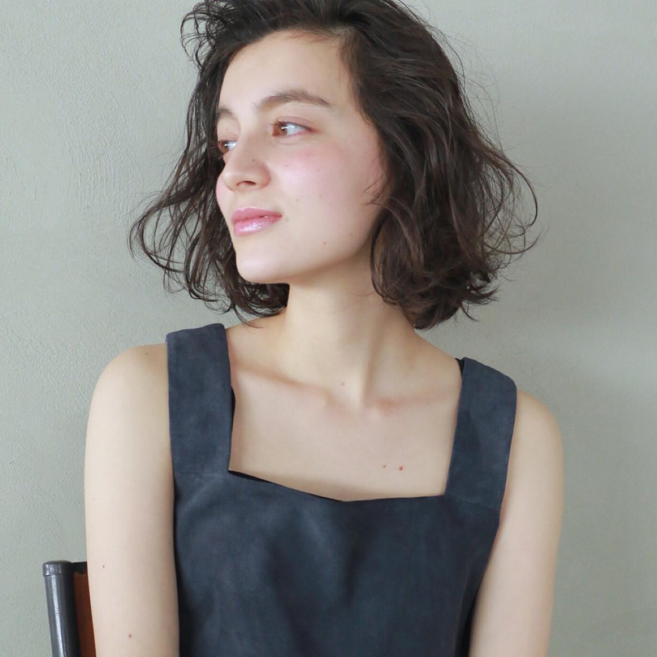 くせ毛風 暗髪 外国人風カラー ボブ ヘアスタイルや髪型の写真・画像 | 高橋 忍 / nanuk渋谷店(ナヌーク)