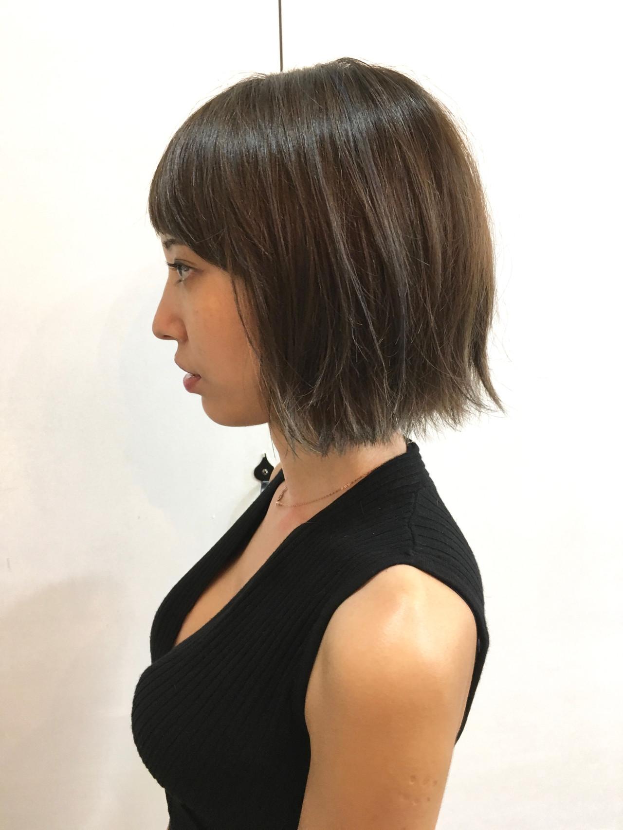 ボブ 外ハネボブ ハイライト カジュアル ヘアスタイルや髪型の写真・画像   Chie Ogusu / Hair and Make Chie Ogusu