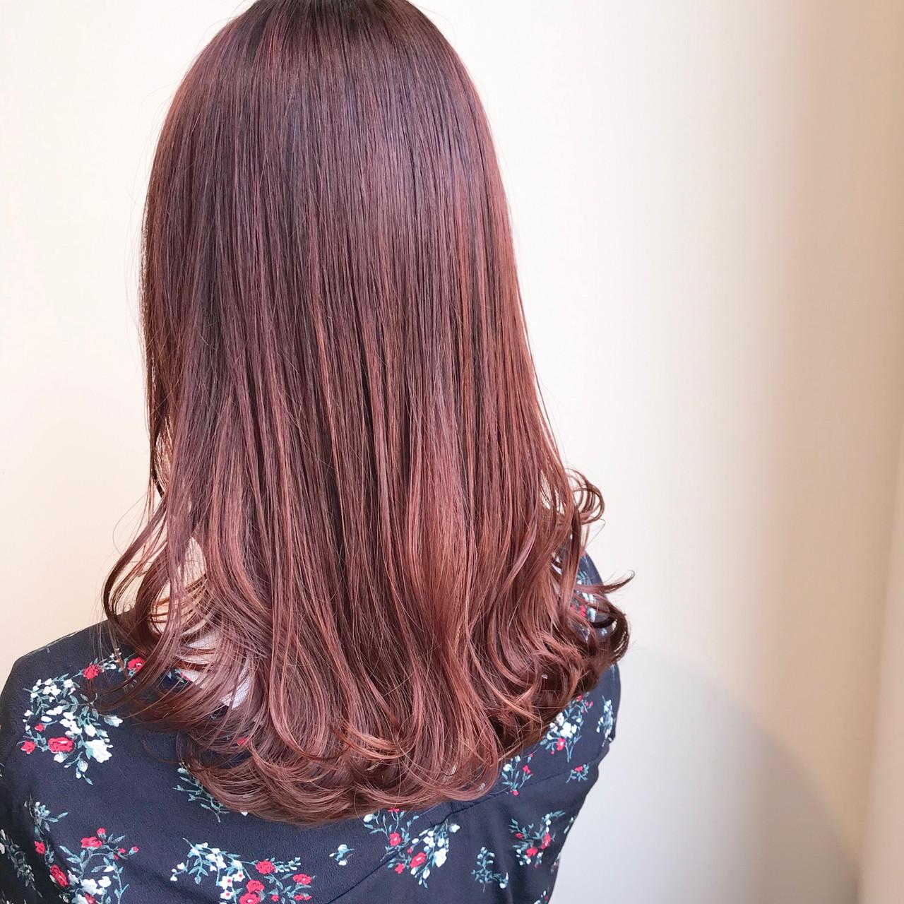 フェミニン 透明感カラー ピンクバイオレット セミロング ヘアスタイルや髪型の写真・画像