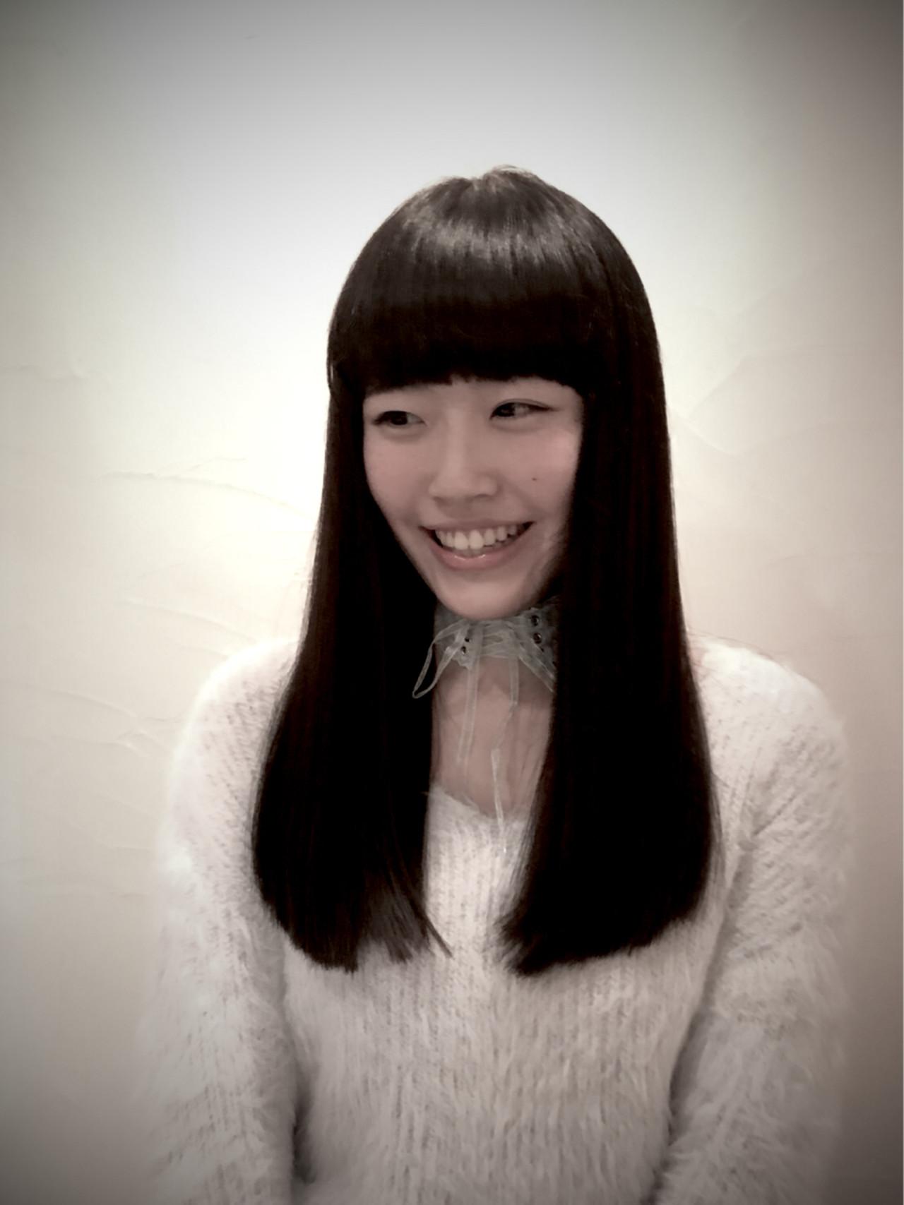 黒髪 フェミニン ロング 前髪あり ヘアスタイルや髪型の写真・画像