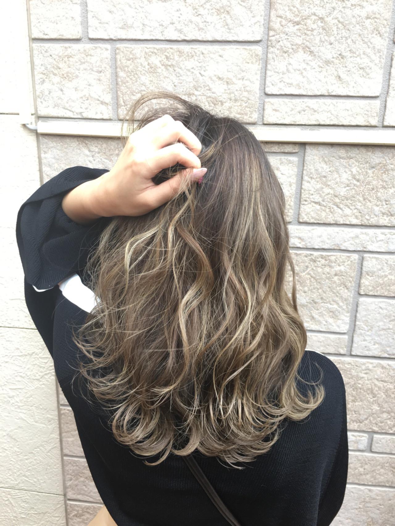 ナチュラル セミロング ハイトーン 外国人風カラー ヘアスタイルや髪型の写真・画像 | 島田 雅斗 / hair design acoustic