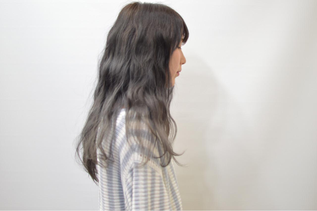 外国人風 グラデーションカラー ロング モード ヘアスタイルや髪型の写真・画像 | Akane Ueda / Chillin Room