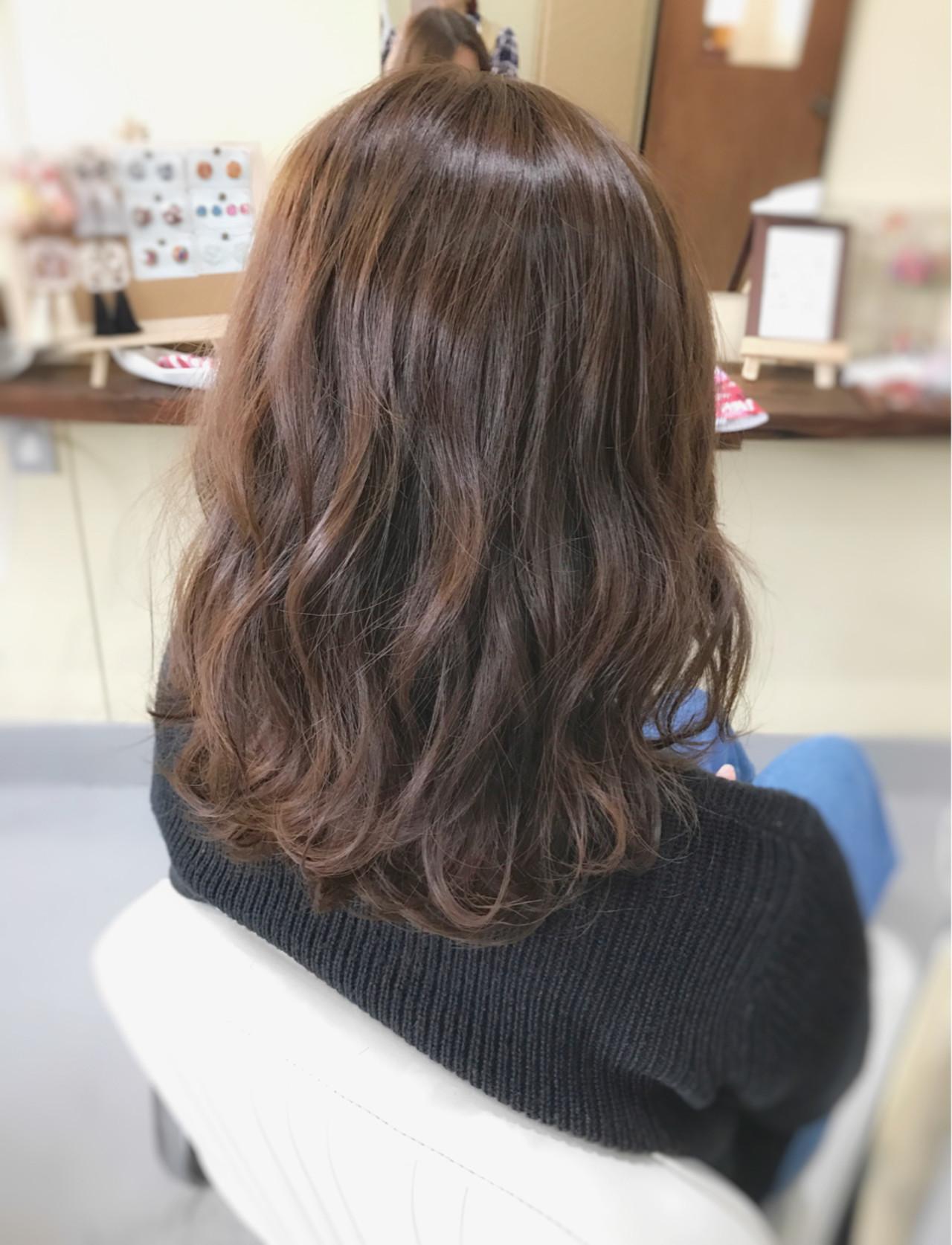 ミディアム 大人女子 フェミニン こなれ感 ヘアスタイルや髪型の写真・画像