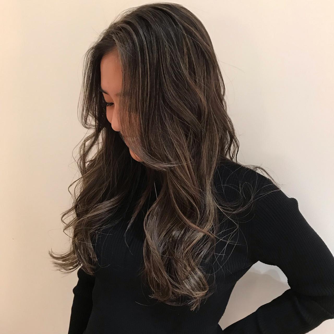 ヘアカラー 地毛ハイライト 黒髪 ロング ヘアスタイルや髪型の写真・画像