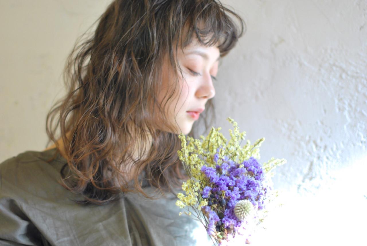 透明感 エアリー 波ウェーブ ショートバング ヘアスタイルや髪型の写真・画像