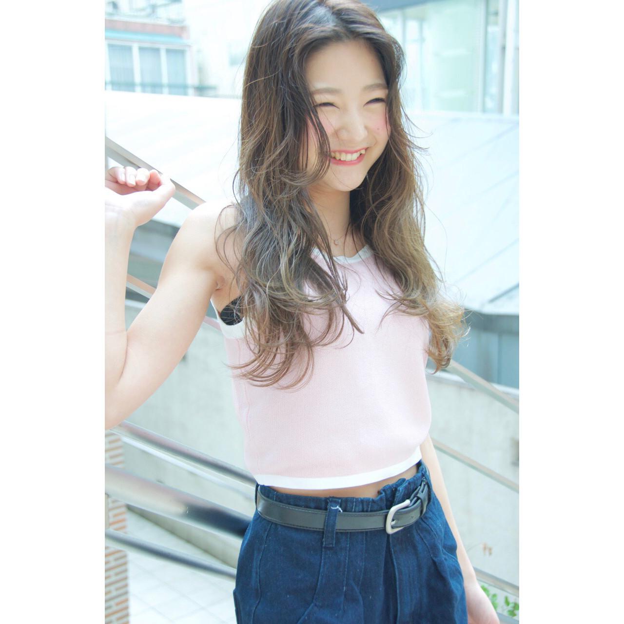 大人かわいい 外国人風 グラデーションカラー レイヤーカット ヘアスタイルや髪型の写真・画像