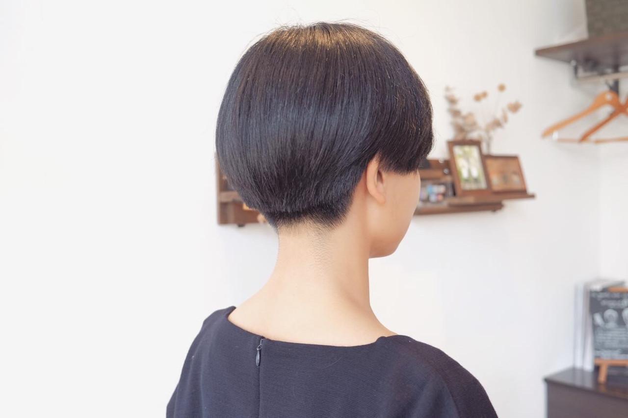 小顔ショート モード ショート 刈り上げ女子 ヘアスタイルや髪型の写真・画像