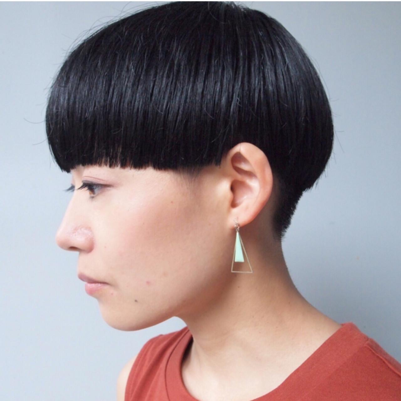 オフィス ショート マッシュショート 黒髪 ヘアスタイルや髪型の写真・画像