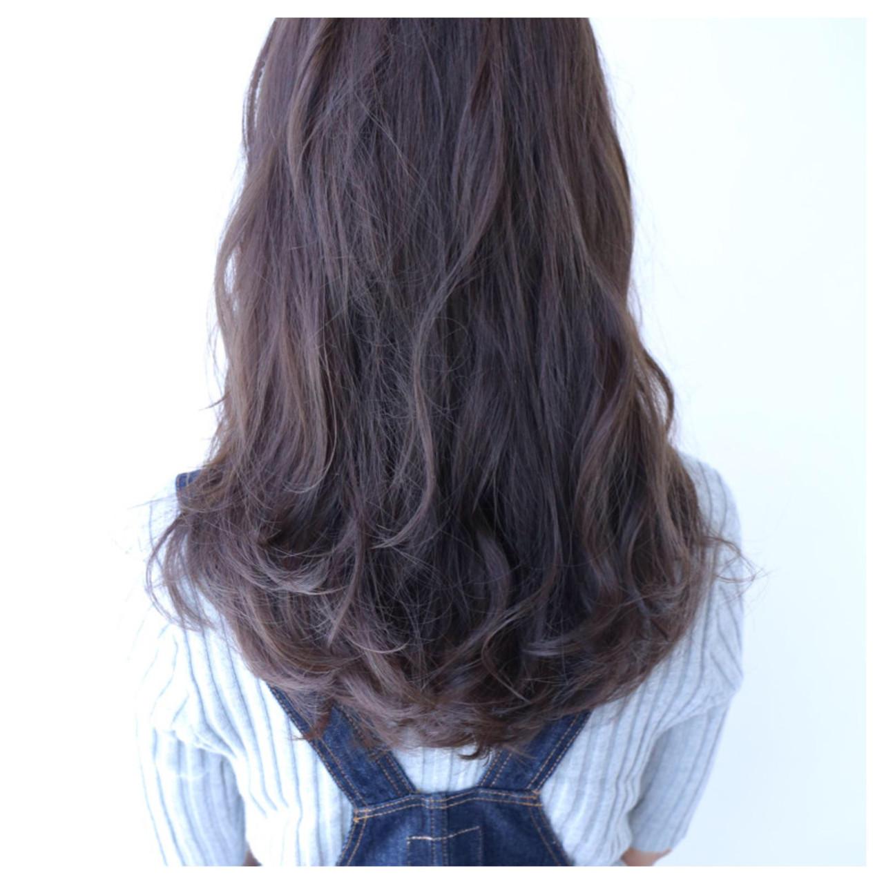 くせ毛風 黒髪 アッシュ ロング ヘアスタイルや髪型の写真・画像