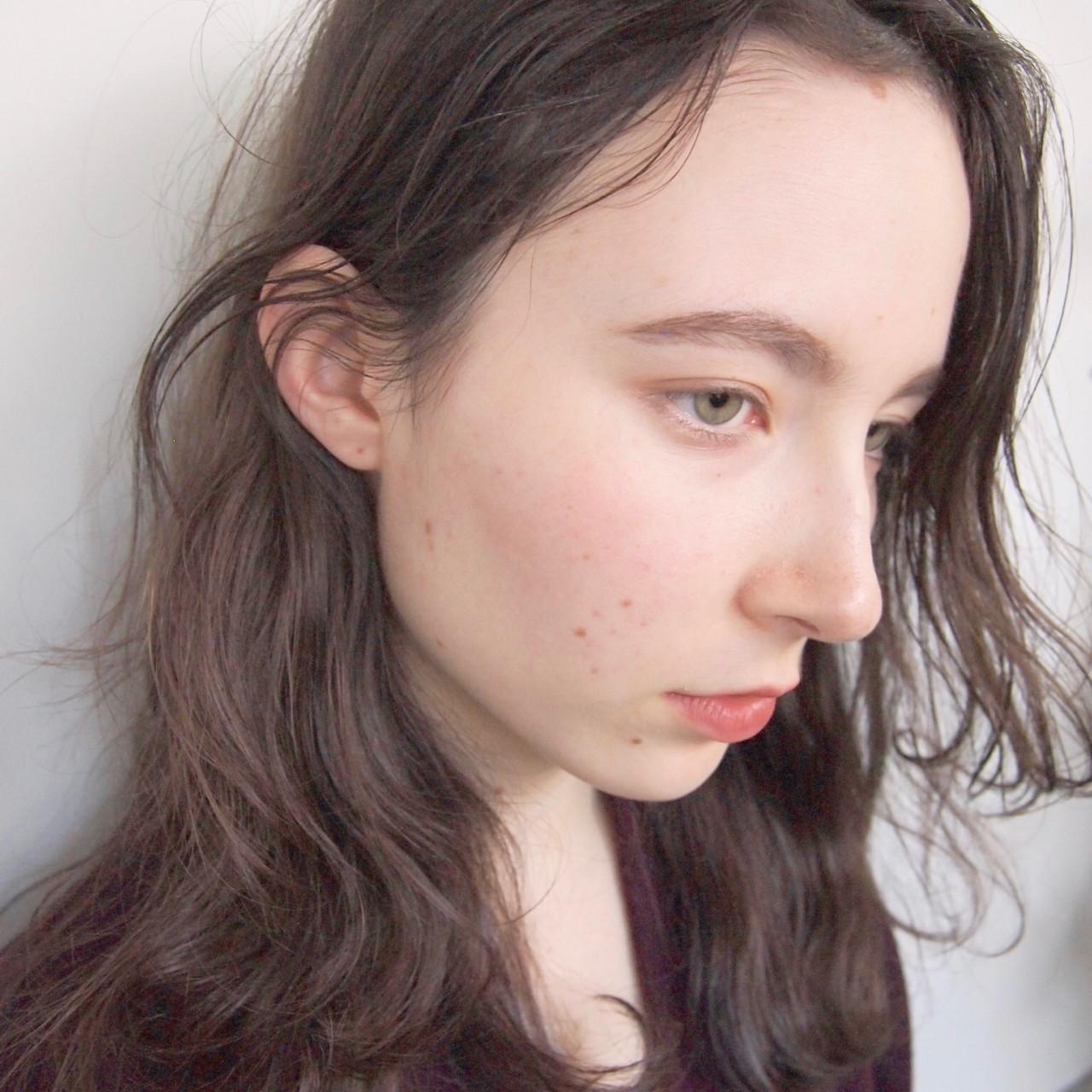 パーマ アッシュグレージュ ニュアンス ナチュラル ヘアスタイルや髪型の写真・画像