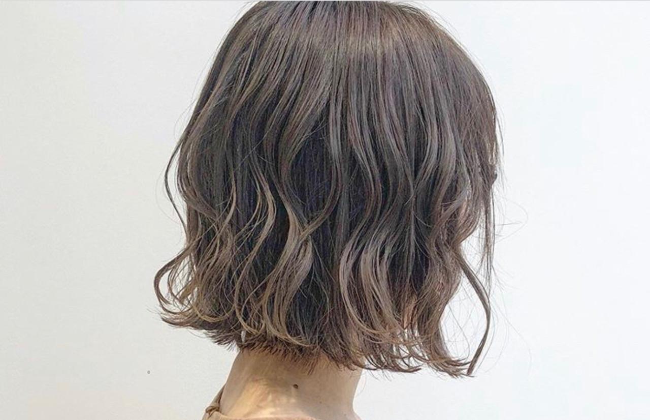 地毛風カラー ボブ ナチュラル グレージュ ヘアスタイルや髪型の写真・画像