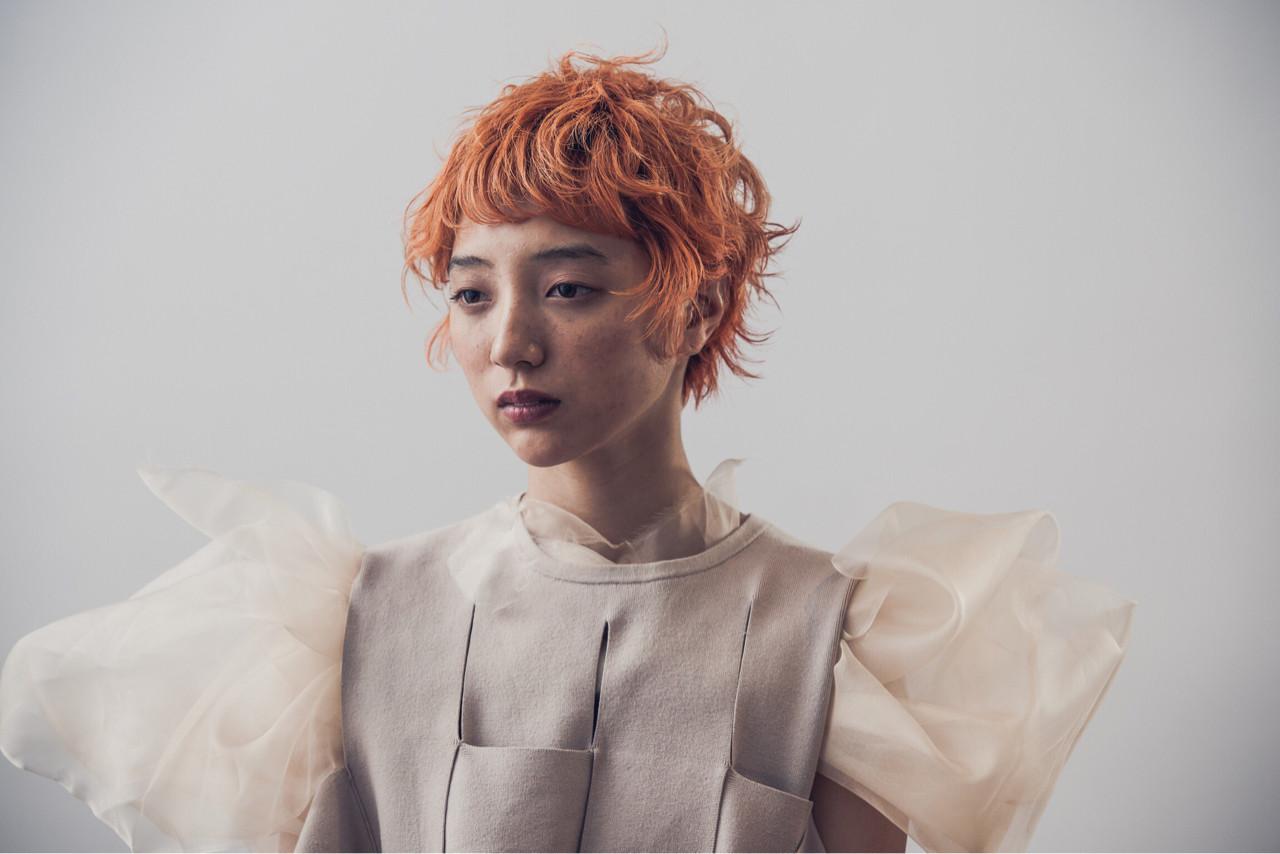 くせ毛風 オレンジ ナチュラル ショート ヘアスタイルや髪型の写真・画像