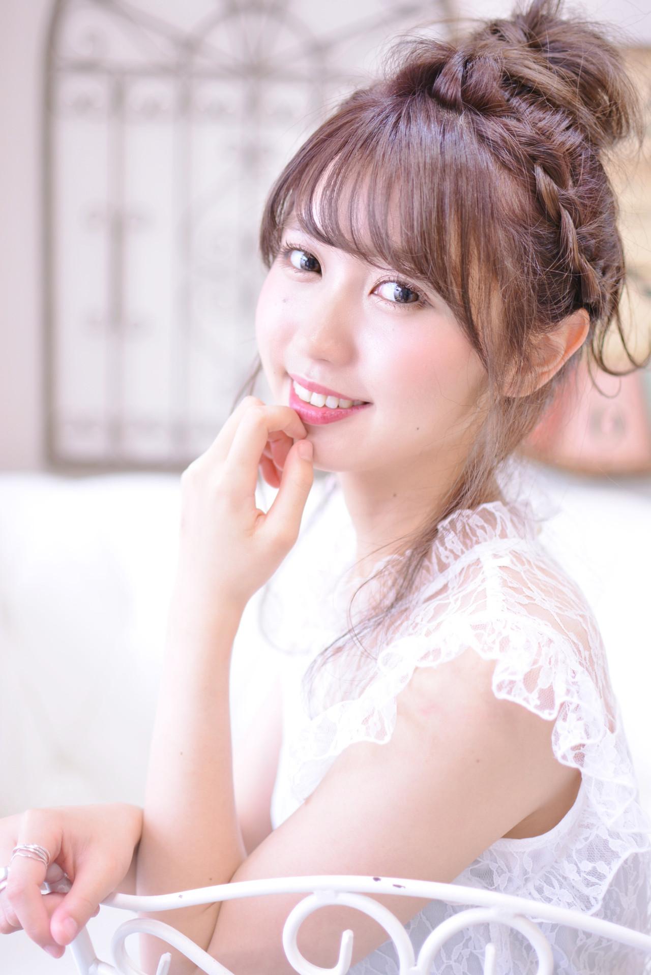 お団子アレンジ 簡単ヘアアレンジ デート セミロング ヘアスタイルや髪型の写真・画像