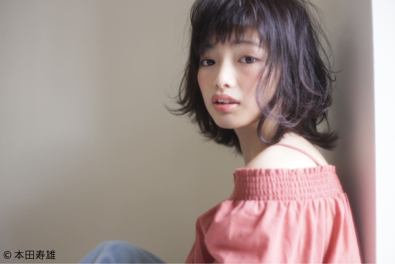 ミディアム パーマ リラックス ナチュラル ヘアスタイルや髪型の写真・画像 | 本田寿雄 / kith.