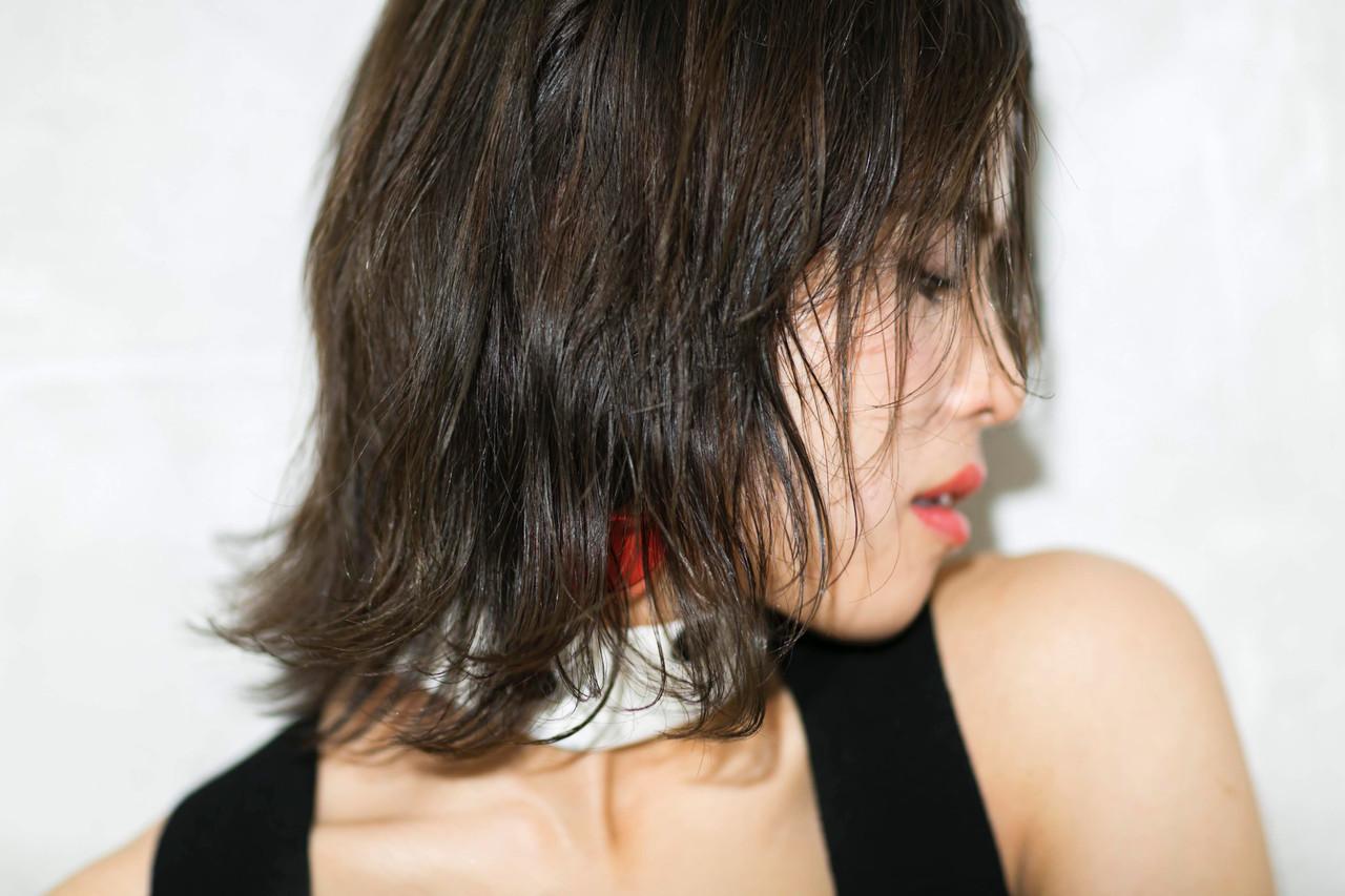 外ハネボブ 透明感カラー 小顔ショート ボブ ヘアスタイルや髪型の写真・画像