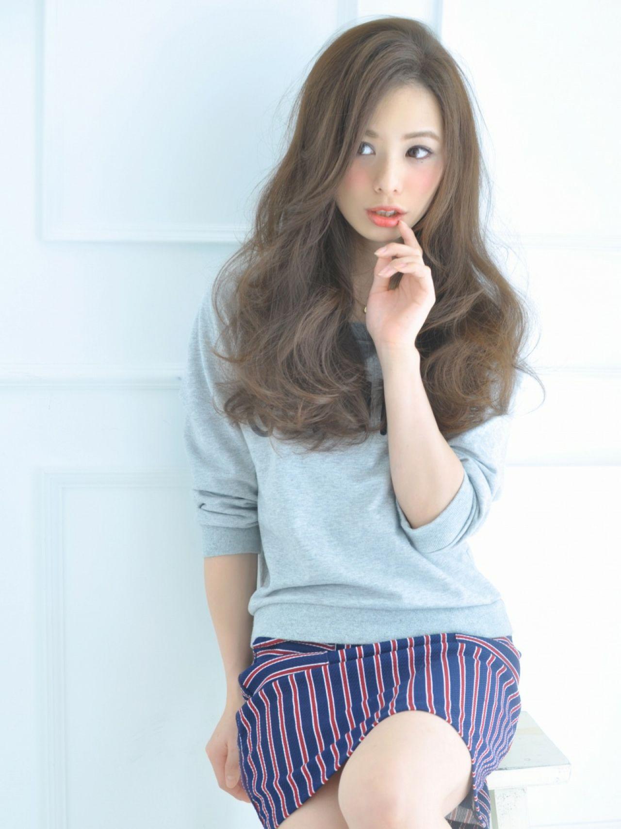 ウェーブ ナチュラル モード 秋 ヘアスタイルや髪型の写真・画像 | 清井 慎二 / DISHEL ディシェル