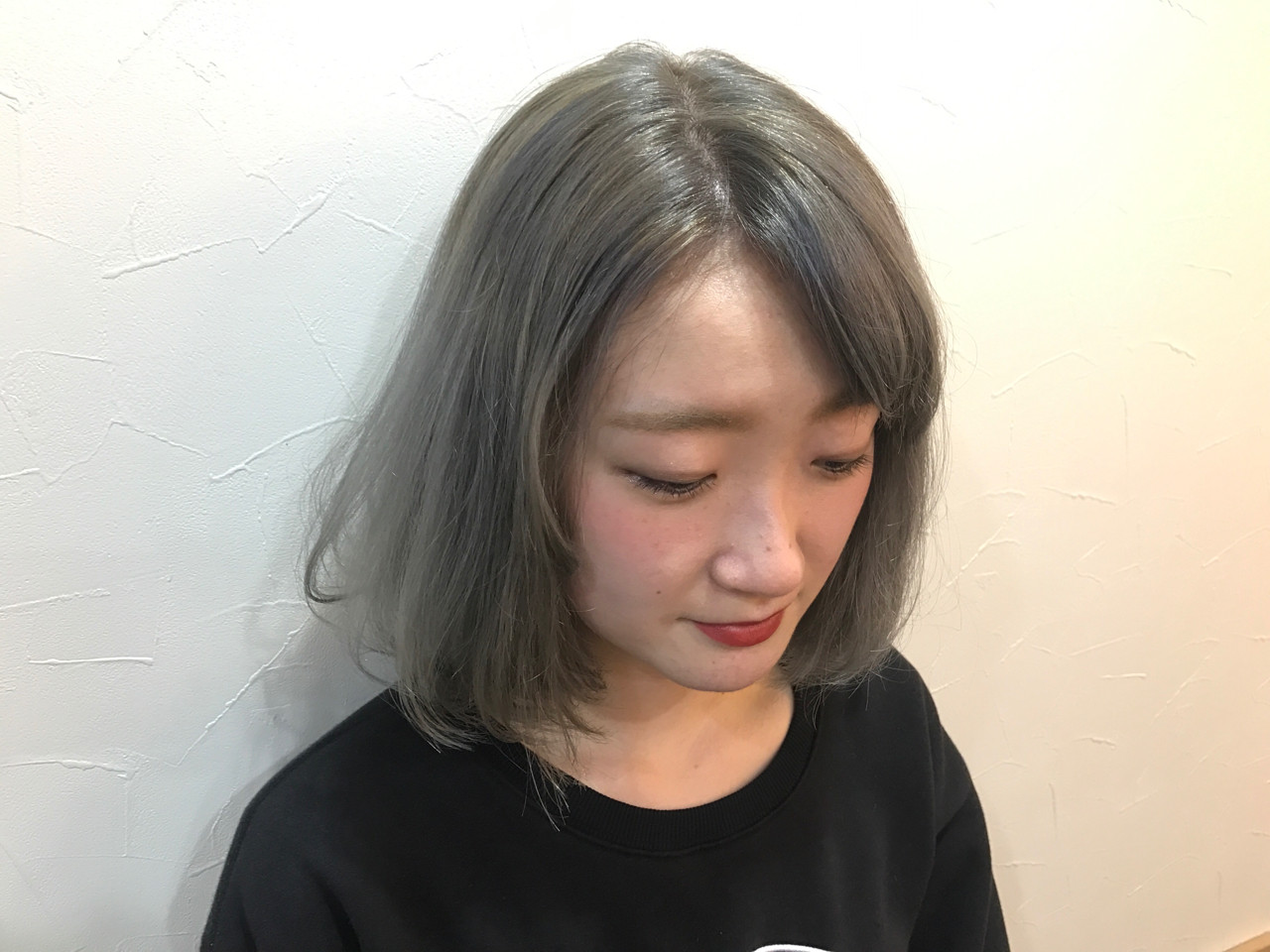 ブリーチ ダブルカラー ボブ ストリート ヘアスタイルや髪型の写真・画像