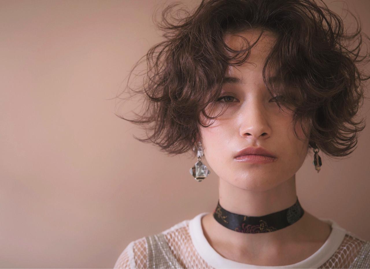 ショート アンニュイ ストリート パーマ ヘアスタイルや髪型の写真・画像   イッシキ ケンタ / lafamilia