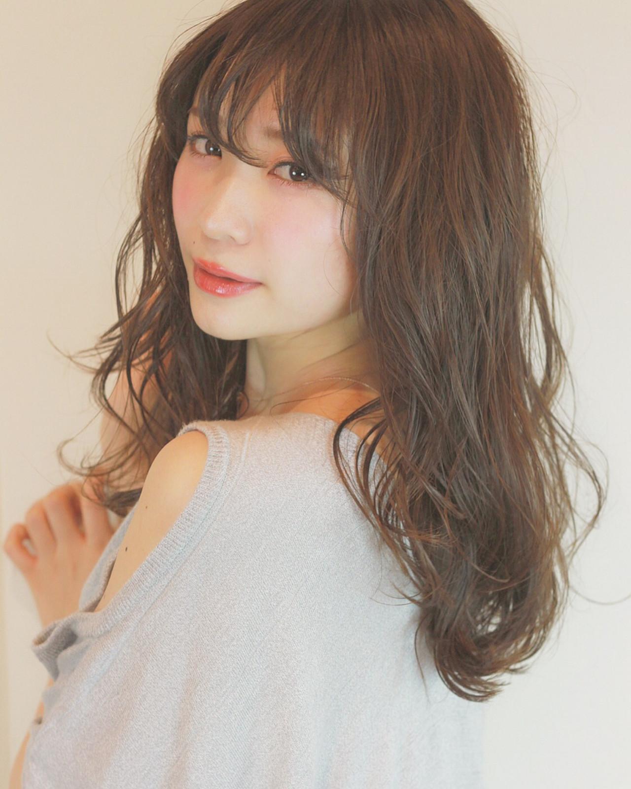 アンニュイ こなれ感 大人かわいい ナチュラル ヘアスタイルや髪型の写真・画像