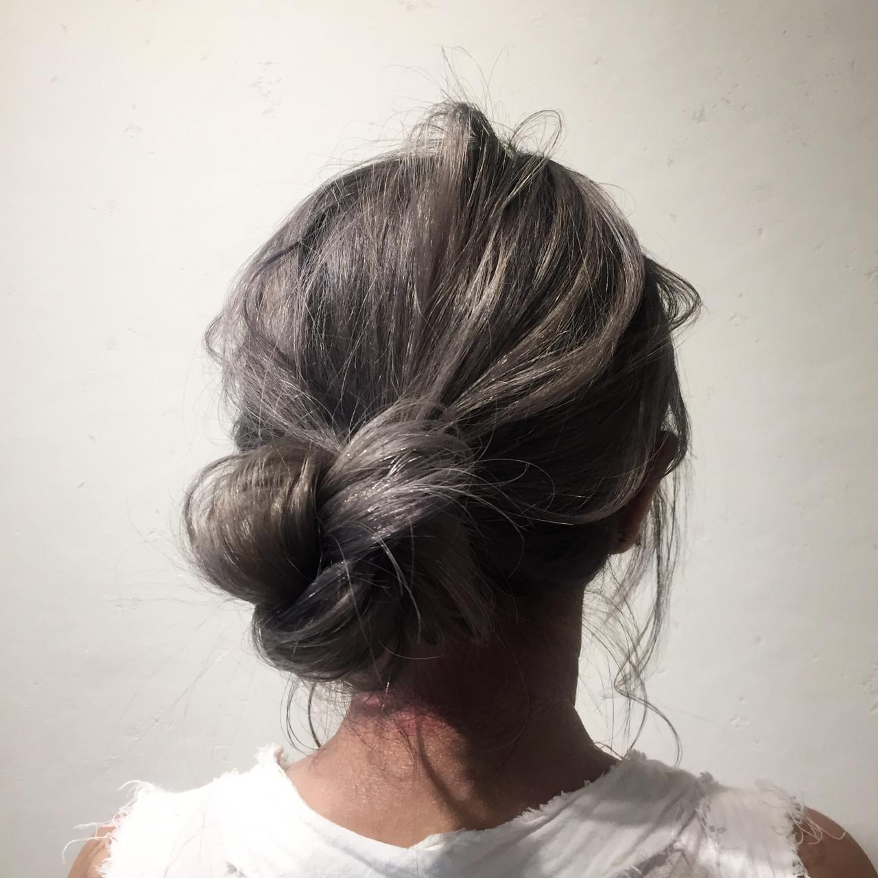 ナチュラル デート グレージュ ロング ヘアスタイルや髪型の写真・画像